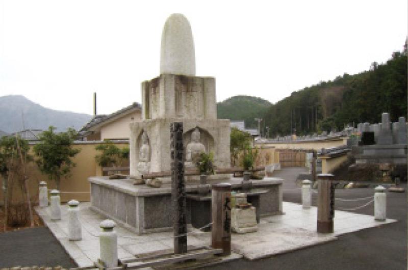 圓通寺内の墓所